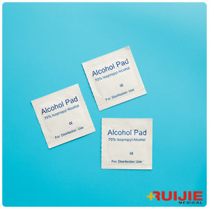Disposable Medical 70% Isopropyl Alcohol Pads pictures & photos