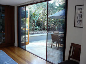 Flexible Roller Back Insect Window Screen pictures & photos