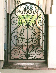 Uid-G013 Wrought Iron Outside Main Gates Designs pictures & photos
