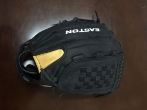 Professional Customized Black Baseball Glove (08) pictures & photos