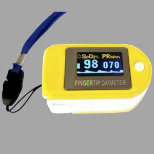 Pulse Oximeter/Fingertip Oximeter pictures & photos