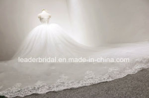 Cathedral Bridal Ball Gowns Lace Tulle Puffy Glitter Wedding Dresses 2018 Z8039 pictures & photos