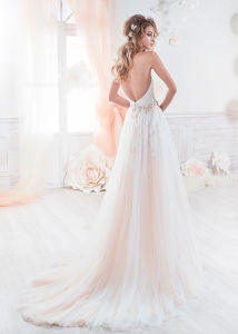Beach Bridal Evening Gown A-Line Tulle Flora Garden Wedding Dresses Ld11527 pictures & photos