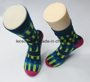 Design Your Own 100% Cotton Mens Socks pictures & photos