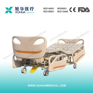 CE/ISO New Model Five Functions Electric Hospital Bed (XH-14) pictures & photos