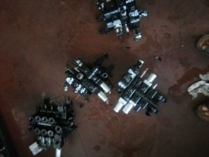 Toyota 7f/8f Forklift Hydraulic Control Valve, Increased Oil Circuit Accessories 67601-15640-71 pictures & photos