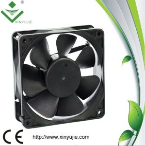 120*120*38mm DC Cooling Fan Made in China 2016 Hot Selling Plastic Fan pictures & photos