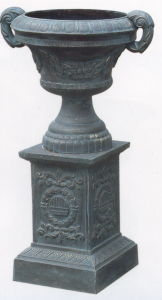 Cast Iron Urn on Base pictures & photos