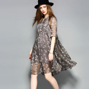 Gray Floral Pattern A-Line Pleated Women Dress pictures & photos