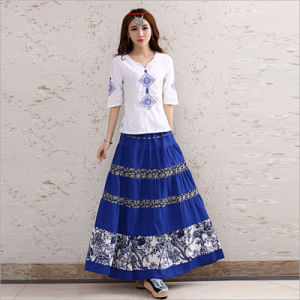 Cotton Apparel Striped Pleated Elastic Waist Long Skirt of Ethnic Styel pictures & photos