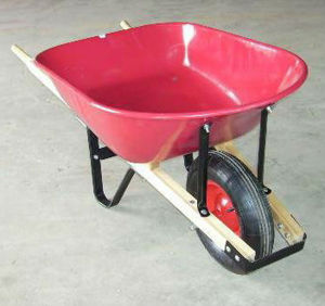150kg Load Capacity Wheelbarrow with Pneumatic Wheel and Plastic Tray pictures & photos