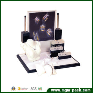Manufacturer Handmade PU Leather Jewelry Display Stand pictures & photos