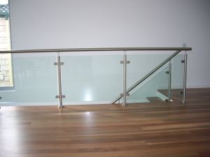 Indoor Good Quality Glass Stair Balustrade Stainless Steel Handrail Glass Railing pictures & photos