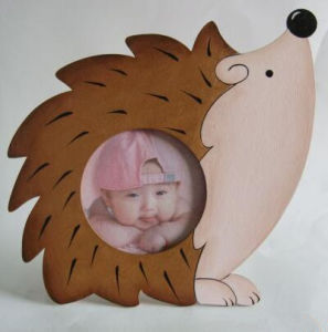 Loving Cartoon Shape Wooden Family Frame pictures & photos