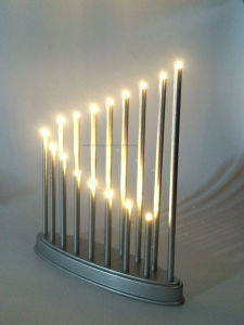 16 LED Lamps Candle Stick Lights / LED Candlestick /Ce/RoHS/Pah pictures & photos