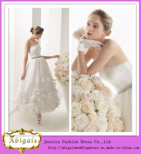 Hot Selling White Simple a-Line Strapless Beaded Tulle Tea Length Plus Size Wedding Dresses with Hand-Made Flowers (BD10035) pictures & photos