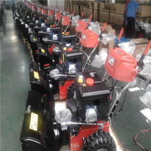 Gasoline Snow Thrower with 5.5HP Loncin Engine pictures & photos