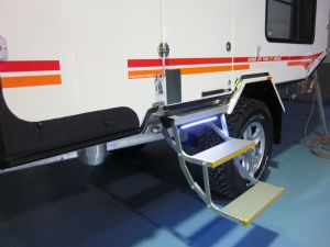 Single Electric Folding Ladder for Motorhome and School Bus (ES-F-D-450*150) pictures & photos