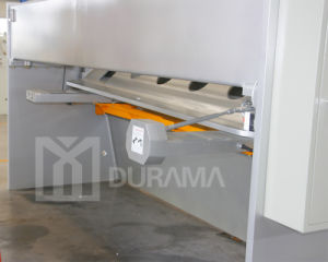 Metal Steel Sheet Plate CNC Hydraulic Guillotine Shear pictures & photos