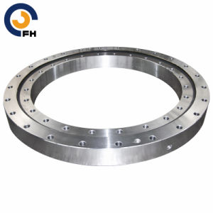 Crossover Rolling Type Slewing Bearing (11 series) pictures & photos