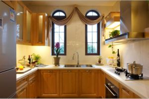 2017 New Design Maple Solid Wood Kitchen Cabinet Yb-1706001 pictures & photos
