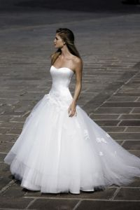 Ball Gown Applique Tulle White Wedding Dress (019)