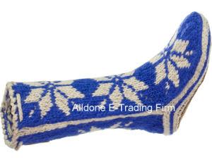 Custom New Design Hand Knit Ladies Angora Knee High Socks pictures & photos