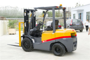 Tcm Appearance 3.5ton Diesel Forklift Truck with Japanese Engine for Sale pictures & photos