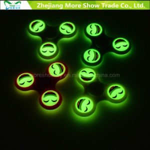 Fast Bearings Emoji Glow in Dark Finger Fidget Hand Spinner Toys pictures & photos