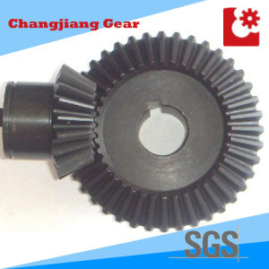 OEM Transmission Straight Teethed Bevel Helical Differential Gear with Keyway pictures & photos