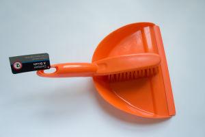 Dustpan and Brush Set (Orange) pictures & photos