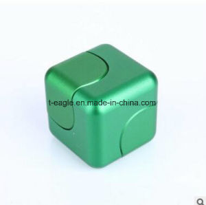 2017 Hot Sell New Type Cube Hand Spinner Fidget Cube Spinner pictures & photos