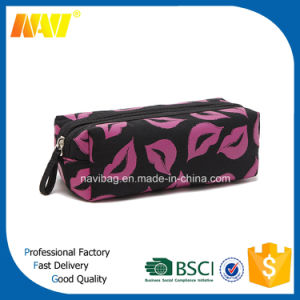 China Professional Bag Factory Produce Lip Shaped Cosmetic Make up Bags