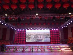 Full Color Tube Chip Color and Video Display Function P4indoor LED Display pictures & photos