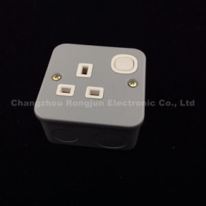 UK Metal Material 13A Wall Socket Switch (ME-006) pictures & photos