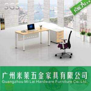 Modern Office Furniture Executive Wooden Table with Painting pictures & photos