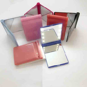 Lady Makeup Cosmetic 8 LED Mirror Folding Portable Pocket Mirror pictures & photos