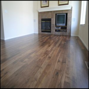 T&G or Click System Engineered American Walnut Wood Flooring pictures & photos