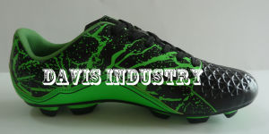 MOQ Hot Selling New Design Style Soccer Boots Sports Shoes pictures & photos