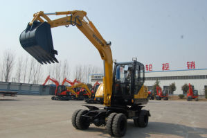 70HP China Wheeled Excavator (HTL65-8) pictures & photos