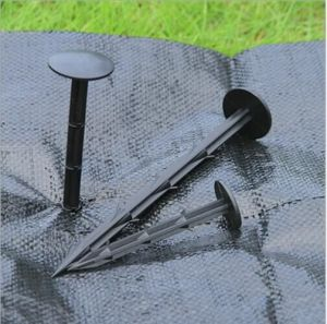Plastic Pegs for Fixing Ground Cover/Landscape Fabric/Weed Control Mat pictures & photos