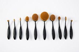 10PCS Black Multi-Purpose Oval Mermaid Cosmetic Brush Set pictures & photos