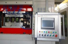 Hydraulic System Plastic Cup Thermoforming Machine pictures & photos