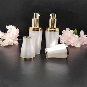 Acrylic Jar and Bottle for Cosmetic (NST54) pictures & photos