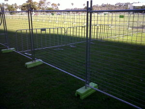 Brace as Well The UV Treated HDPE Block Foot 2.1m X 2.4m Construction Temporary Fence Panels pictures & photos