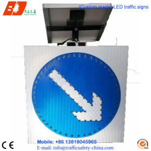 Solar Power Alluminated Triangle Traffic Signs, LED Traffic Signal pictures & photos