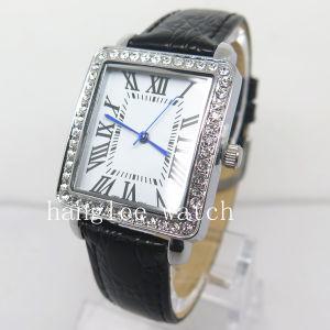 Alloy Diamond Case Watch Cheap Fashion Quartz Watch pictures & photos