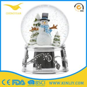 Custom Snow Globe Manufacturer Car Water Globe Gift for Decoration pictures & photos