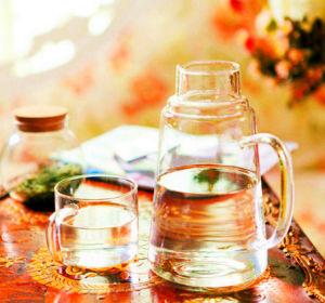Creative Design Borosilicate Glass Juice Jug Glass Pitcher pictures & photos
