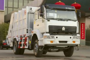 Slinotruk 4X2 Garbage/Refused Compator Truck with Best Price pictures & photos
